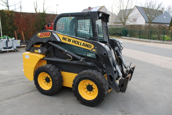 2DEHANDS - NEW HOLLAND L218